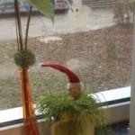 Auch Frau Lange hat im Sekretariat weihnachtlich dekoriert.